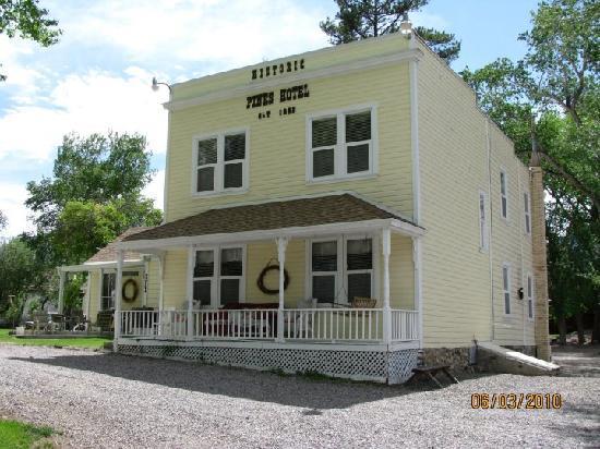 Moore's Old Pine Inn | Marysvale, UT